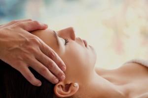 Ansiktsmassage och annan massage på Human Touch Body & Brain